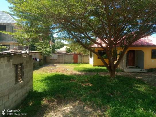 3bed house for sale at mbezi beach tshs 200mil image 4