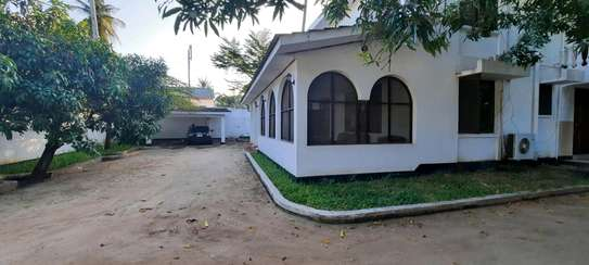 a 7bedrooms 5 self contained BUNGALOW in MIKOCHENI easily accessble is now for SALE. image 2
