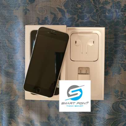 Used iPhone SE 2020 Excellent Condition Like New image 2