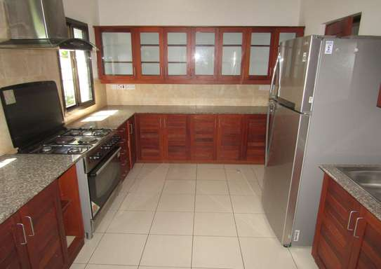 4 Bedroom Furnished Town House in Masaki image 4