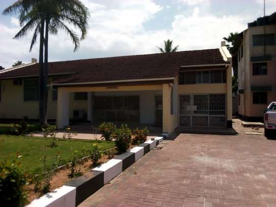 3bed house for office  along main rd at mikocheni a image 2