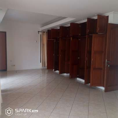 4bdrm house to let in masaki image 5