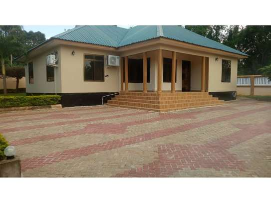 3 bed room house for rent at kawe avocado house ideal for office