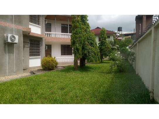 6 bed room huose for rent at mikocheni