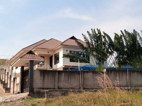 3bed house or sale at maramba mawili good house image 9