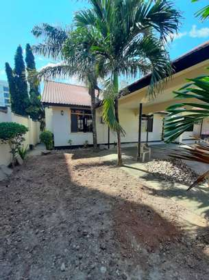3bed house  for sale at masaki 922sqm image 3