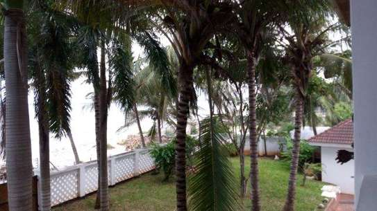 4 Bdrm Beachfront House at Kawe Beach image 12