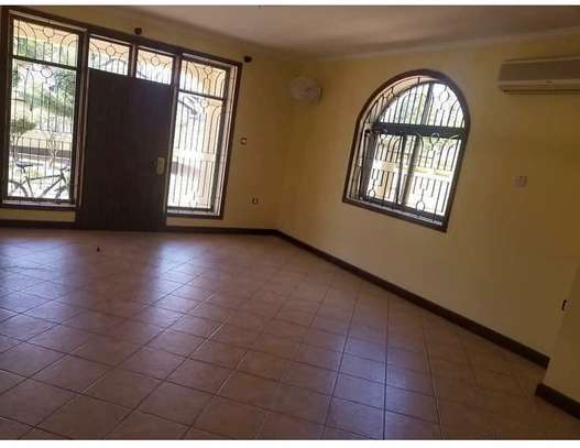 4 bedroom house to rent in MIkocheni, Dar es Salaam image 5