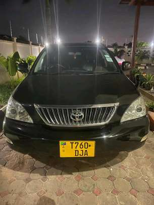 2004 Toyota Harrier image 1