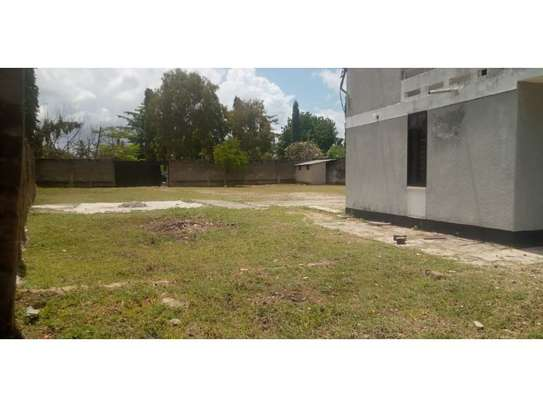 4bed house with small godown in big compound at ada estate image 13
