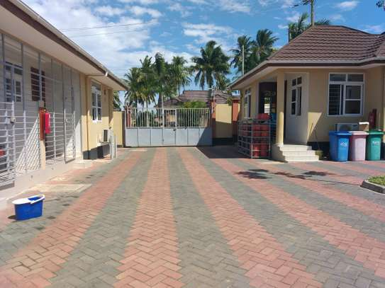 2BEDROOMS FULLYFURNISHED APARTMENT AT MBEZI BEACH