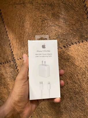 IPhone 11 &11 pro fast charger image 1