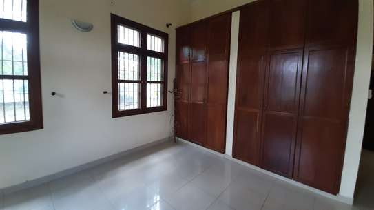 3 Bedrooms  House For Rent in Oysterbay image 6