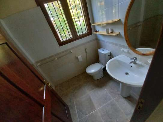 3 BEDROOM APARTMENT AT OYSTERBAY image 6