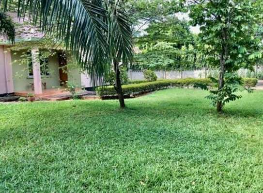 a stand alone house is for rent at mbezi beach near road to whitesands image 3