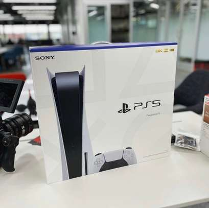 Playstation 5 Console image 3