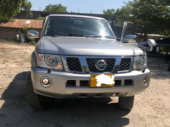 2010 Nissan Patrol New Model -DJL image 6