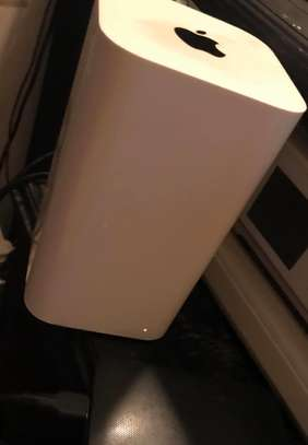 Apple Airport Router image 2
