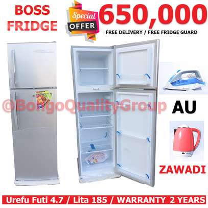 BOSS FRIDGE + FREE KETTLE AU PASI