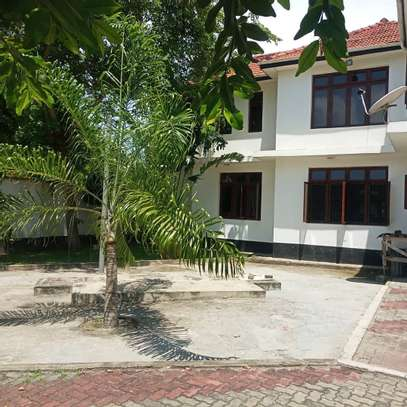 HOUSE FOR RENT AT BUNJU BEACH MOGA image 8