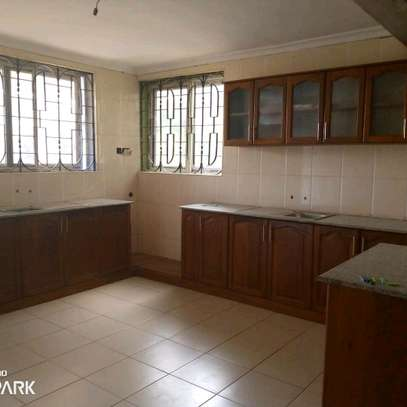 HOUSE FOR RENT BAHARI BEACH image 2