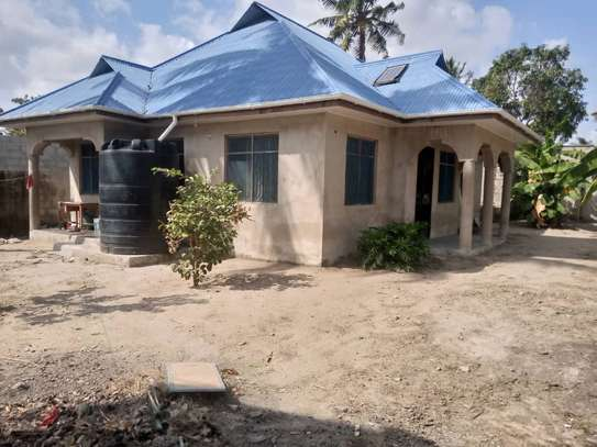 3bedroom house at ungindoni image 2