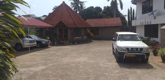 6bed all ensuite at avacado  i deal for office cum residance near to mwaikibaki rd image 11