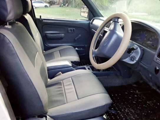 2002 Toyota Hilux Double Cabin Pickup image 6