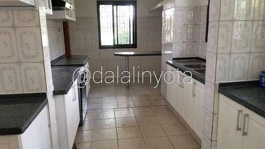 CUTE HOUSE FOR RENT STAND ALONE image 3