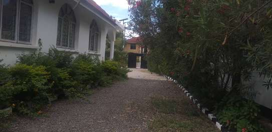 5 bed room house for rent at mikocheni image 6