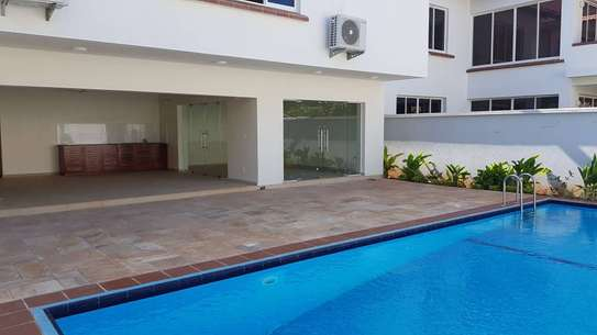 4 Bedrooms 4 Bathrooms Compound House For Rent in Oysterbay image 13