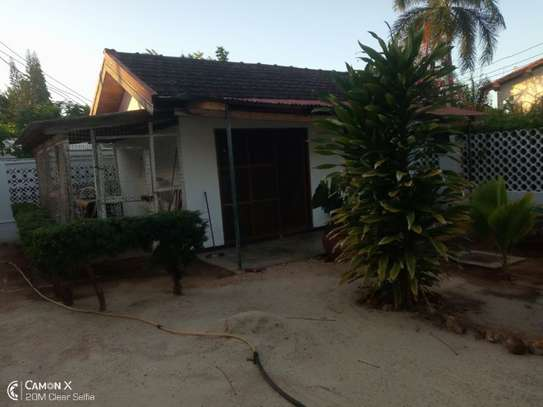 4bed house at white masakiwith swimming pool $2000pm image 7