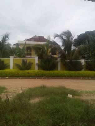 A MANSION FOR SALE ARUSHA TOWN image 1