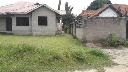 3 bed room house for sale self container at ununio image 5