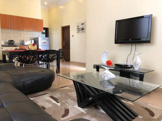 Modern 2 Bedrooms Penthouse In City Center