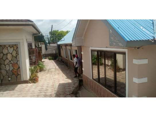3 bed room house in the compound for rent at msasani namanga image 1