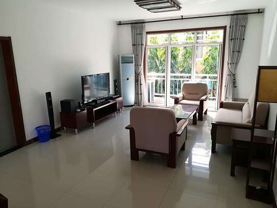3 Bdrm Modern Apartment in Oysterbay image 1