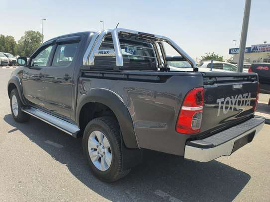 2014 Toyota Hilux image 9
