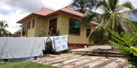 3bed house for sale by bank at goba magati bus stop and 6 frem tsh 65million image 4