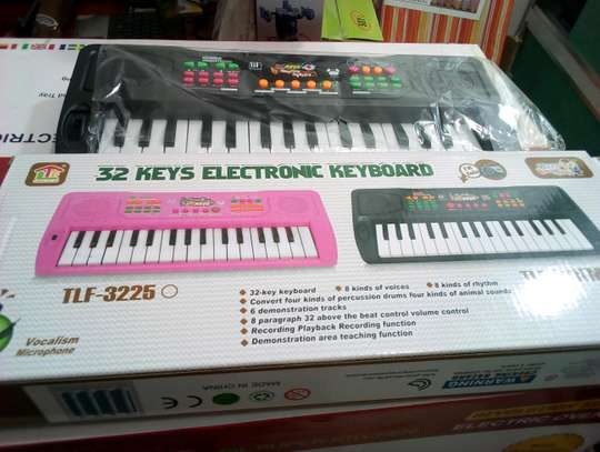 KIDS ELECTRONIC KEYBOARD.. ...55,000/=