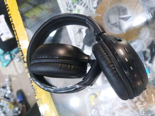 Super Bass High quality headphones with bluetooth, radio, mp3 player and LCD display free delivery dsm image 2