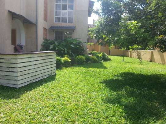 4 Bedrooms Large House In A Small Gated Community In Oysterbay image 13