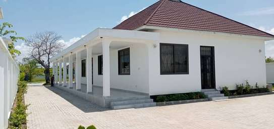 3BEDROOMS HOUSE FOR RENT AT MBWENI BEACH