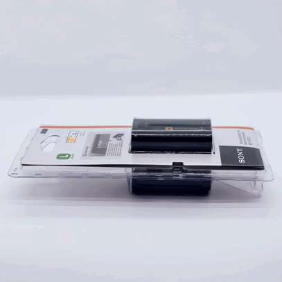 Sony NP-F970 L-Series Info-Lithium Battery Pack (7.2V, 6600mAh) image 2