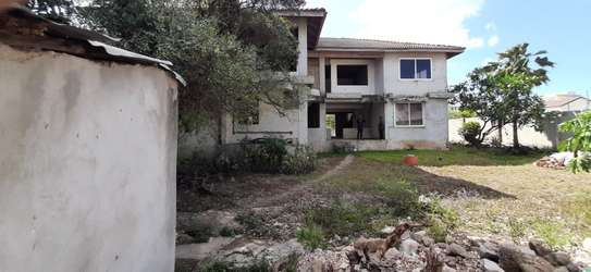4/5 Bedrooms Large House For Sale in Masaki in the Peninsula image 10