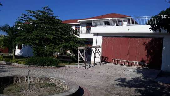 4 bed room house for sale at mapinga bagamoyo , house with big terrace and swimming pool image 6