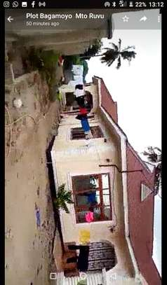 3bed room house for sale at bagamoyo TSH 160million image 6