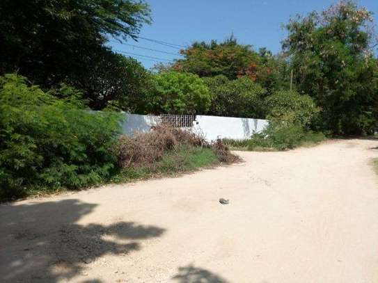 small 1bed shared house at masaki near sea cliff court tsh 600,000 image 6