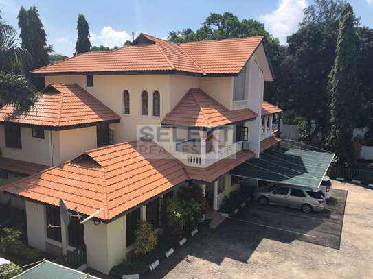Specious 4 Bedroom Compound Houses In Oyster Bay For Rent