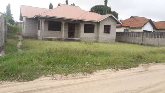 3 bed room house for sale self container at ununio image 1
